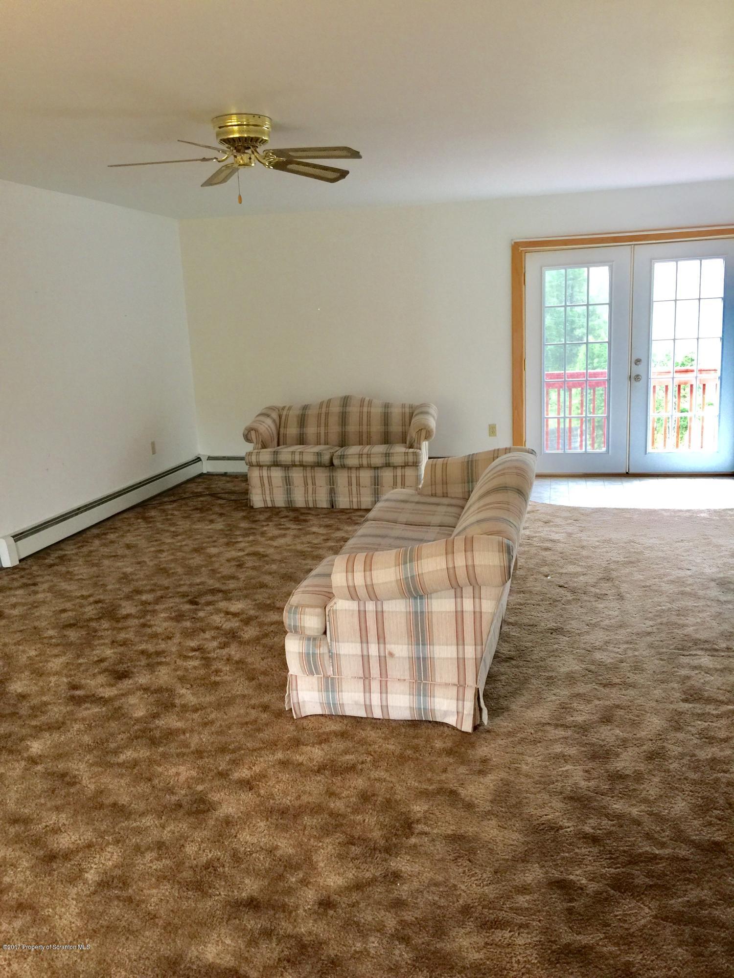 80 Worth Church Rd, Jermyn, Pennsylvania 18433, 1 Bedroom Bedrooms, 4 Rooms Rooms,1 BathroomBathrooms,Rental,For Lease,Worth Church,19-5208