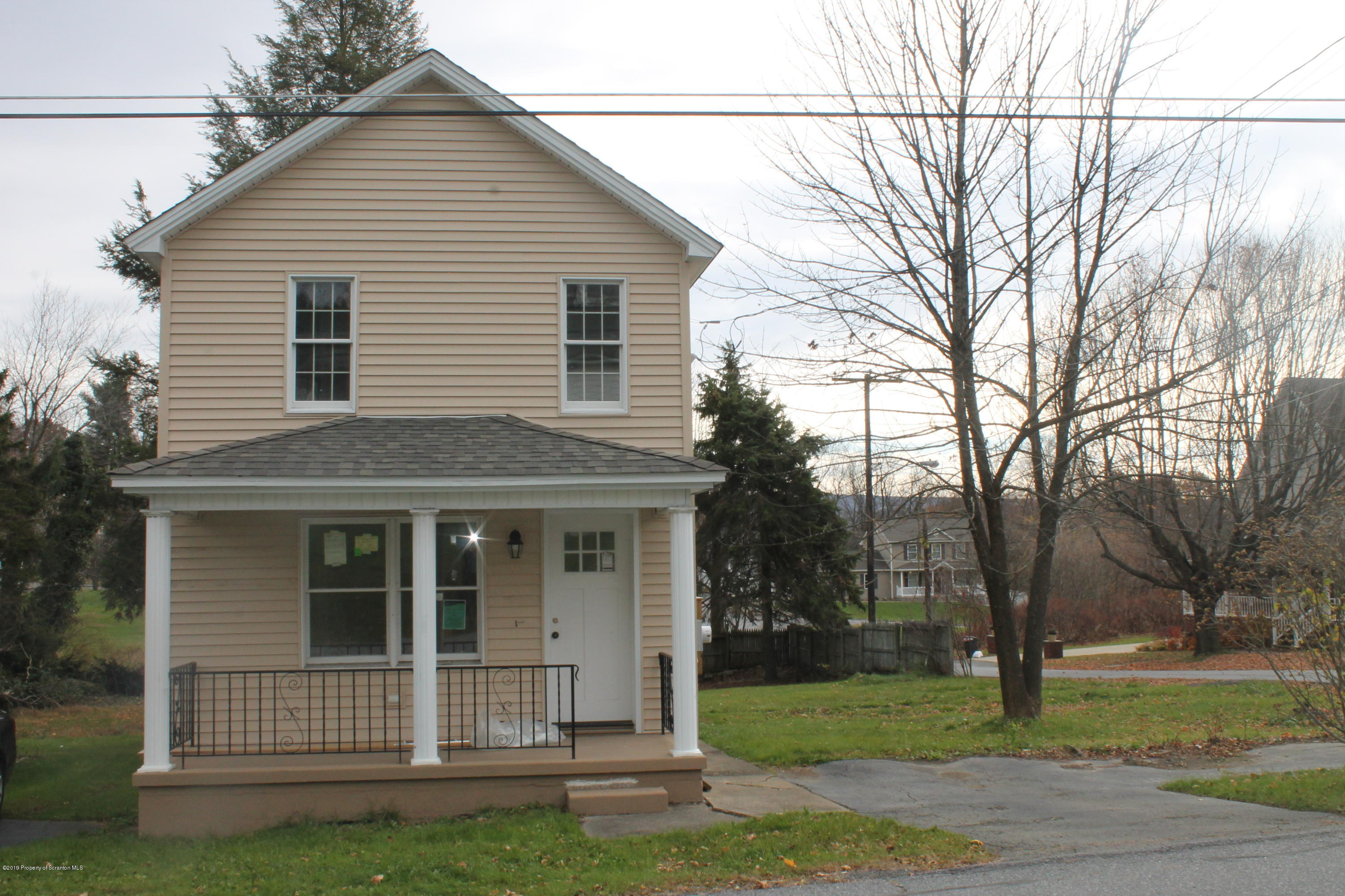 402 1st St, Archbald, Pennsylvania 18403, 2 Bedrooms Bedrooms, 5 Rooms Rooms,1 BathroomBathrooms,Single Family,For Sale,1st,19-5243