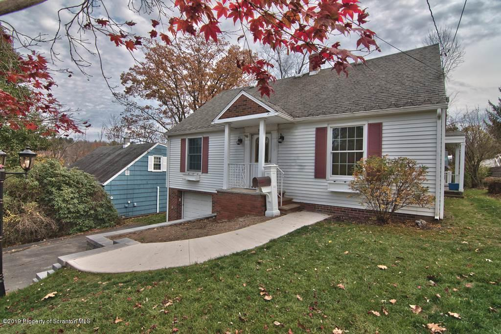 211 Melrose Ave, Clarks Summit, Pennsylvania 18411, 3 Bedrooms Bedrooms, 7 Rooms Rooms,2 BathroomsBathrooms,Single Family,For Sale,Melrose,19-5262