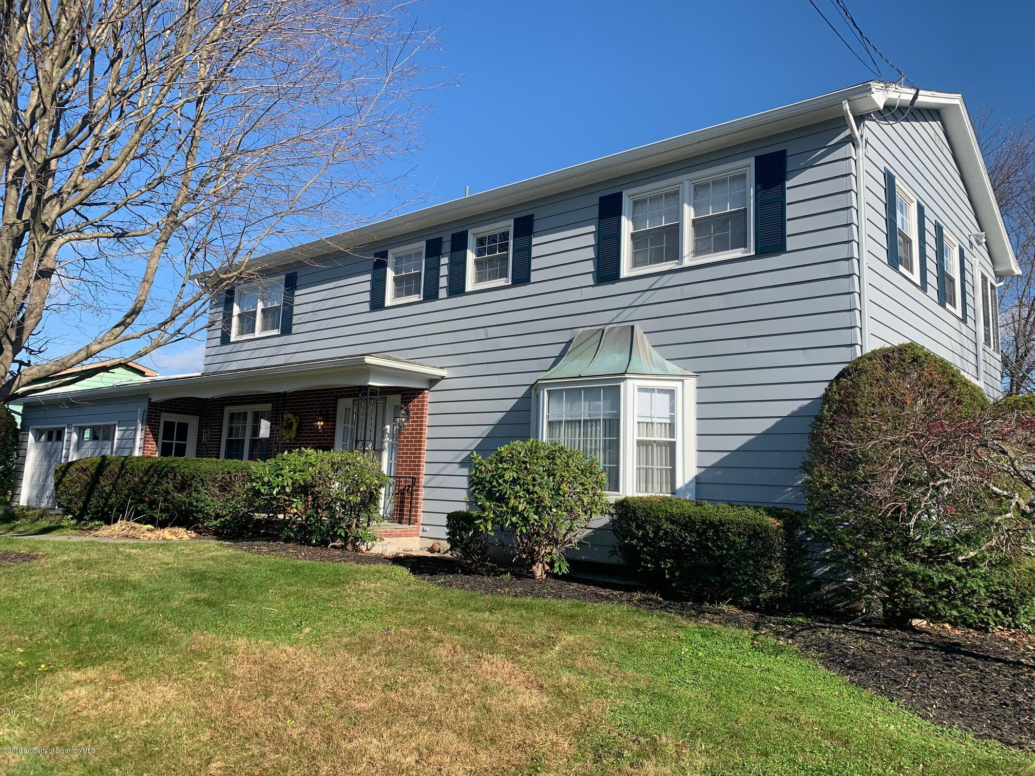 512 Tulip Cir, Clarks Summit, Pennsylvania 18411, 4 Bedrooms Bedrooms, 10 Rooms Rooms,3 BathroomsBathrooms,Single Family,For Sale,Tulip,19-5296