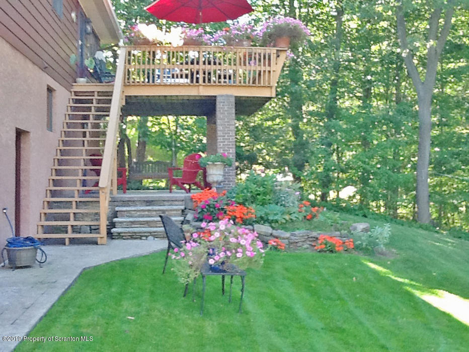 104 Mosswood Rd, Roaring Brook Twp, Pennsylvania 18444, 3 Bedrooms Bedrooms, 7 Rooms Rooms,2 BathroomsBathrooms,Single Family,For Sale,Mosswood,19-5306
