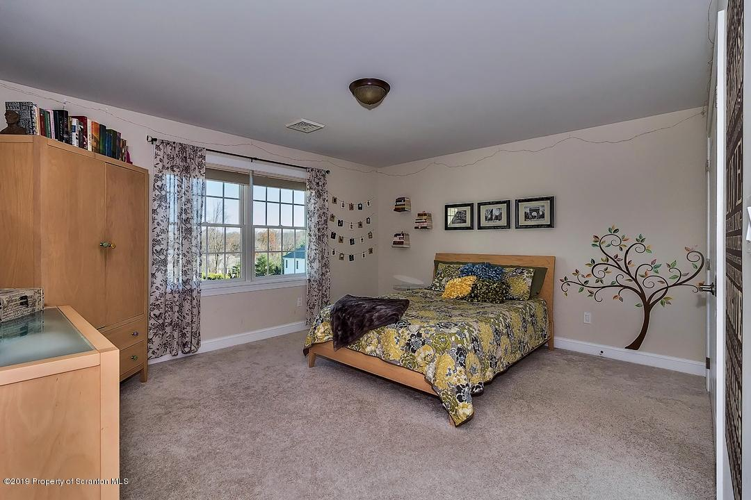 7 Chatham Hill Cir, South Abington Twp, Pennsylvania 18411, 4 Bedrooms Bedrooms, 10 Rooms Rooms,4 BathroomsBathrooms,Single Family,For Sale,Chatham Hill,19-5307
