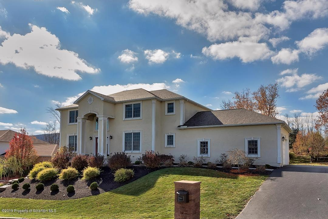 7 Chatham Hill Cir, South Abington Twp, Pennsylvania 18411, 4 Bedrooms Bedrooms, 9 Rooms Rooms,4 BathroomsBathrooms,Single Family,For Sale,Chatham Hill,19-5307
