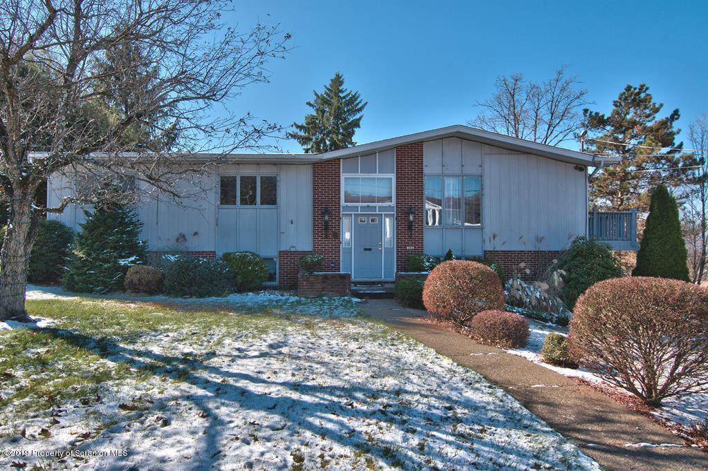 103 Marjorie Drive, Scranton, Pennsylvania 18501, 4 Bedrooms Bedrooms, 8 Rooms Rooms,3 BathroomsBathrooms,Single Family,For Sale,Marjorie,19-5414