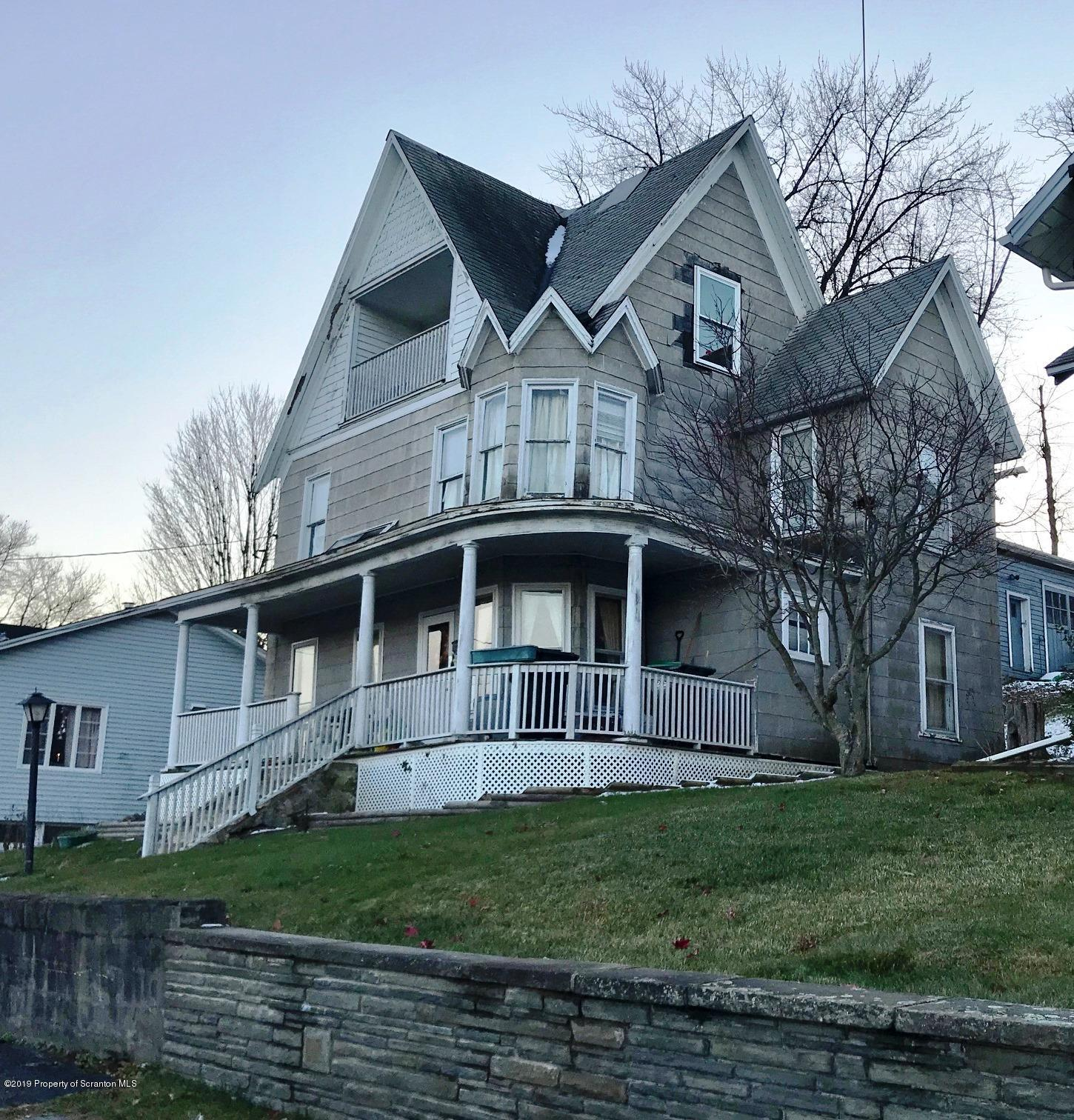 633 Railroad St, Forest City, Pennsylvania 18421, 5 Bedrooms Bedrooms, 8 Rooms Rooms,2 BathroomsBathrooms,Single Family,For Sale,Railroad,19-5460