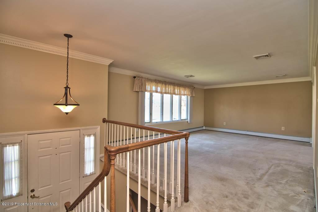 46 Silver Meadow Dr, Scott Twp, Pennsylvania 18411, 3 Bedrooms Bedrooms, 6 Rooms Rooms,2 BathroomsBathrooms,Single Family,For Sale,Silver Meadow,19-5499
