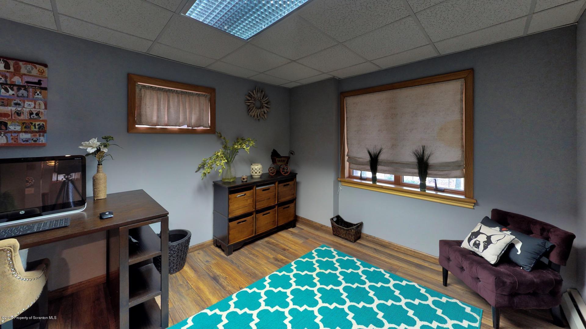 12 Ridgeview Dr, Scranton, Pennsylvania 18504, 3 Bedrooms Bedrooms, 7 Rooms Rooms,3 BathroomsBathrooms,Single Family,For Sale,Ridgeview,19-5583