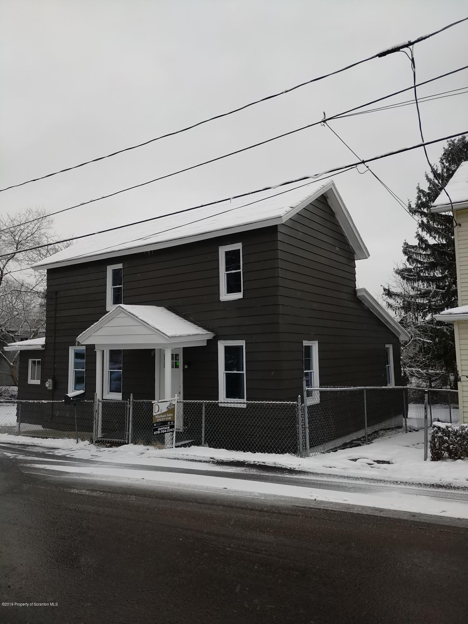 118 Casper St, Old Forge, Pennsylvania 18518, 3 Bedrooms Bedrooms, 5 Rooms Rooms,1 BathroomBathrooms,Single Family,For Sale,Casper,19-5597