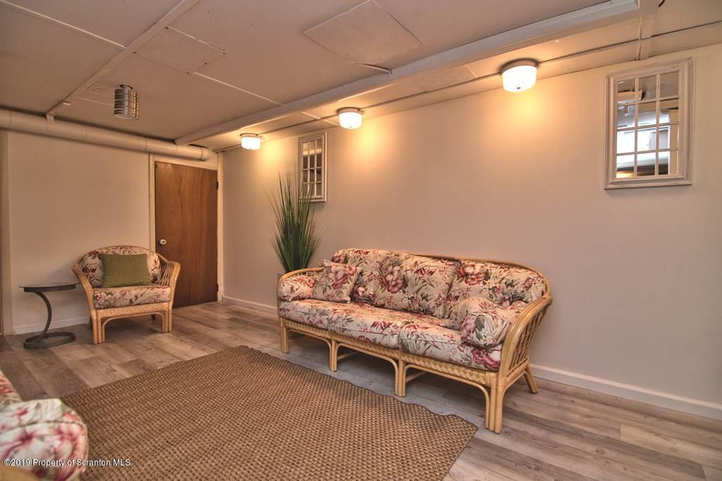 500 School Street, Clarks Summit, Pennsylvania 18411, 3 Bedrooms Bedrooms, 11 Rooms Rooms,2 BathroomsBathrooms,Single Family,For Sale,School,19-3881