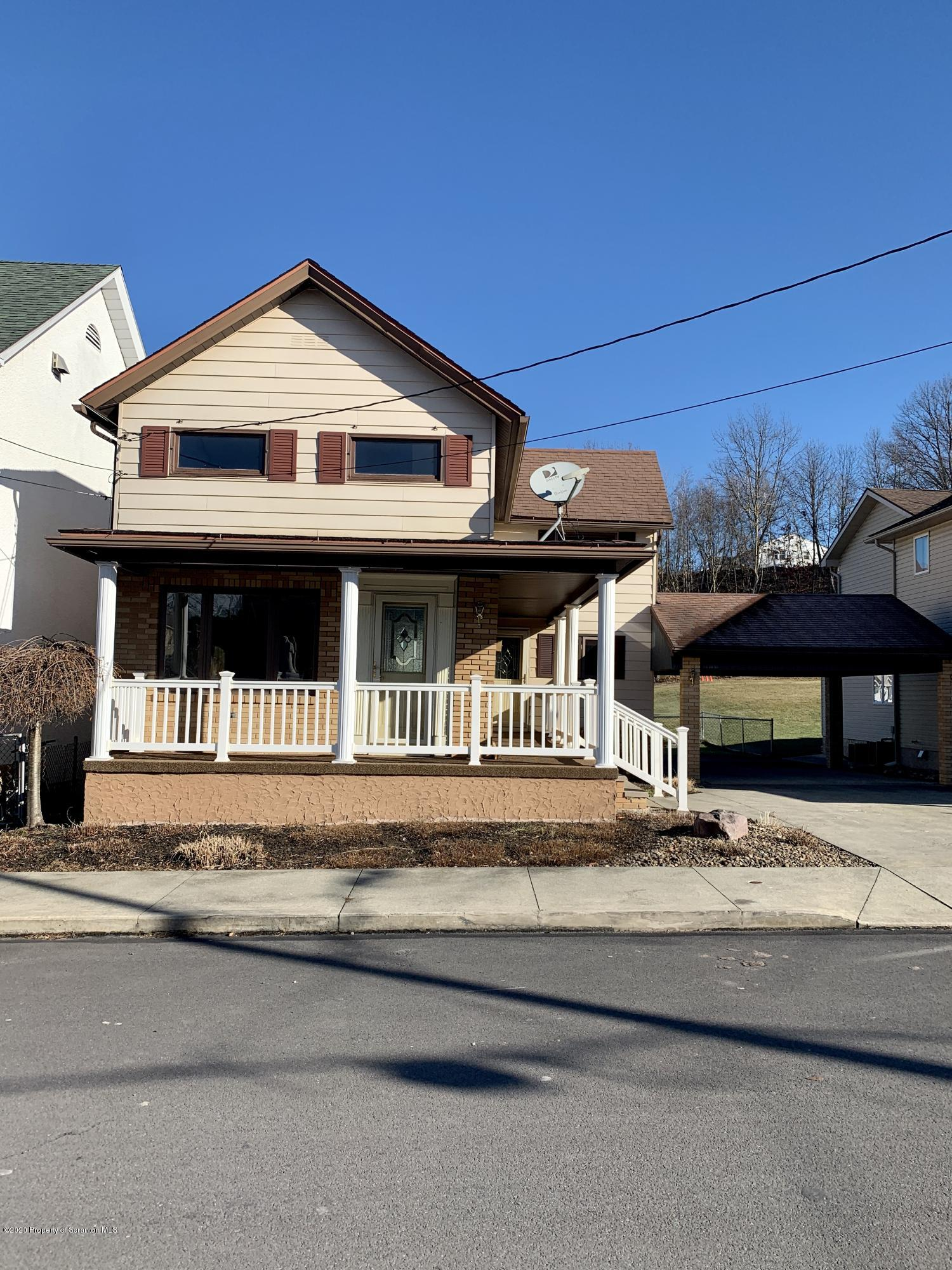 331 Vine St, Old Forge, Pennsylvania 18518, 3 Bedrooms Bedrooms, 6 Rooms Rooms,1 BathroomBathrooms,Single Family,For Sale,Vine,20-48