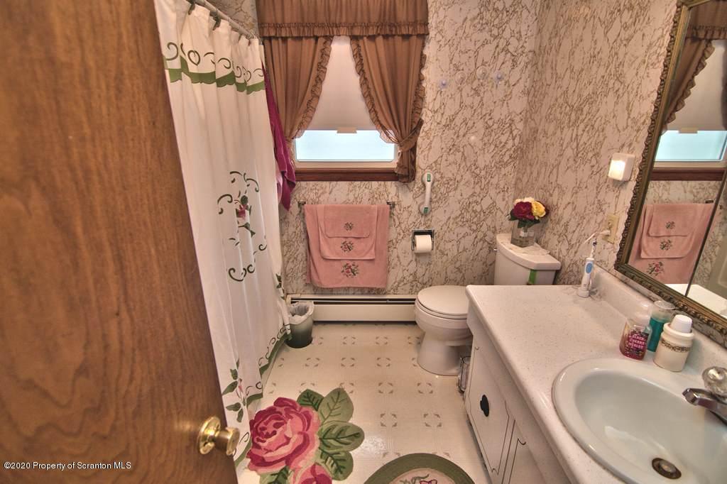 1141 Myers Ave, Peckville, Pennsylvania 18452, 3 Bedrooms Bedrooms, 5 Rooms Rooms,1 BathroomBathrooms,Single Family,For Sale,Myers,20-32