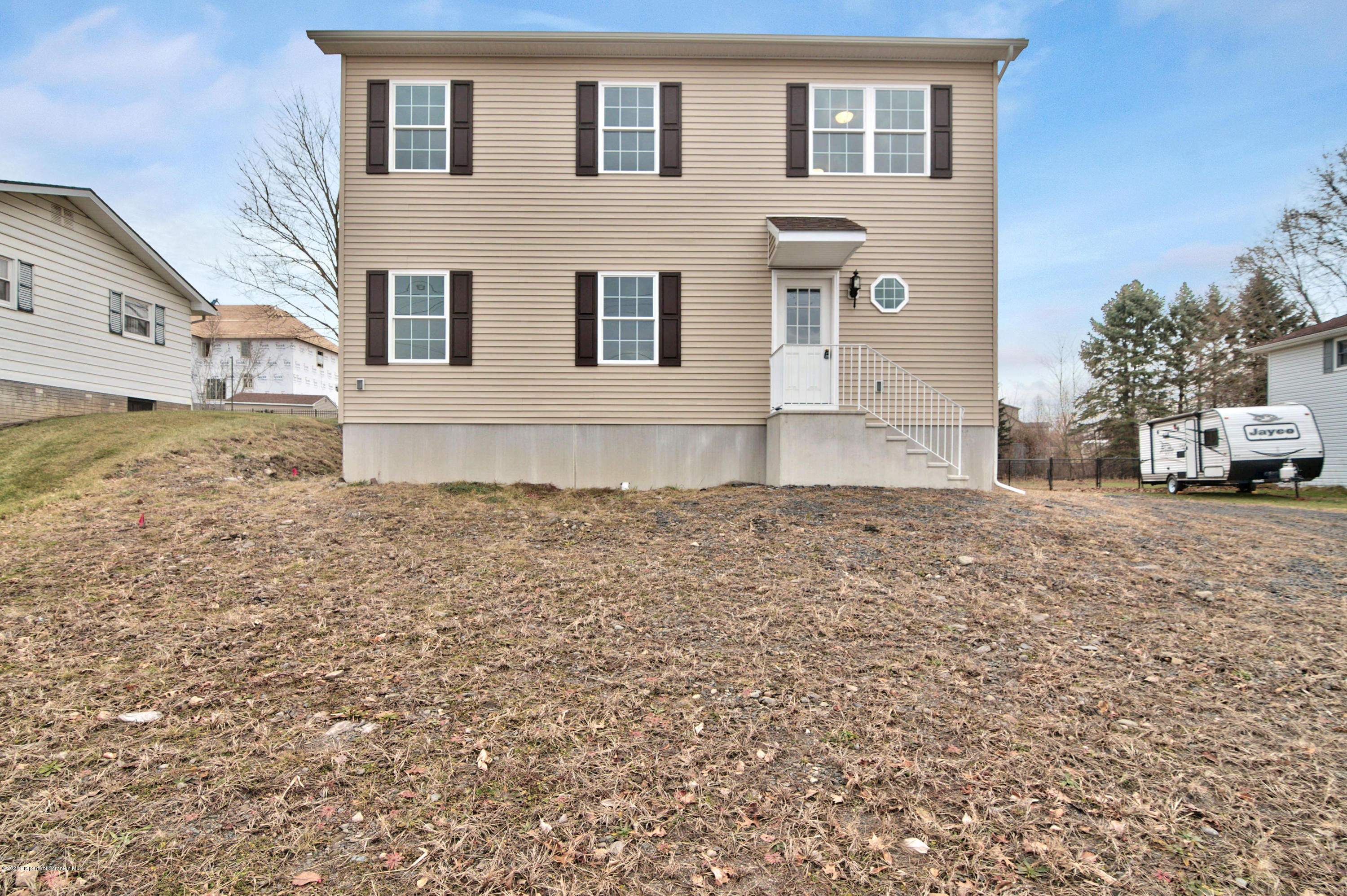 586 Milwaukee Ave, Old Forge, Pennsylvania 18518, 3 Bedrooms Bedrooms, 7 Rooms Rooms,3 BathroomsBathrooms,Single Family,For Sale,Milwaukee,20-211