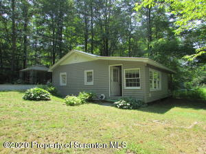 205 North Shore Drive, Brackney, PA 18812