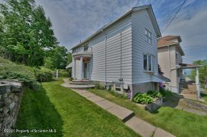 634 Center St, Dunmore, PA 18512