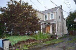 419 Brook St, Moosic, PA 18507