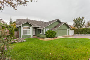 3469 OLD LANTERN DR, REDDING, CA 96003