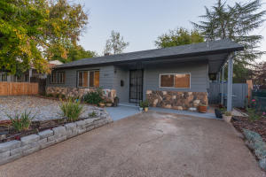 1104 2ND ST, REDDING, CA 96002