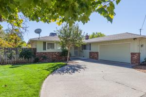 1611 OAKDALE CT, REDDING, CA 96002