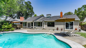 715 GOLD ST, REDDING, CA 96001
