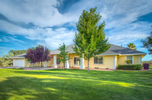 21475 Rolling Oaks Dr, Red Bluff, CA 96080
