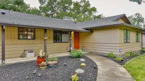 2391 Snow Ln, Redding, CA 96003