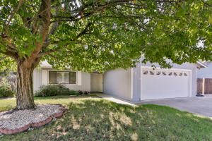 2970 Brookside Dr, Redding, CA 96001