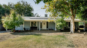 Charming Ranch House is Churn Creek Bottom