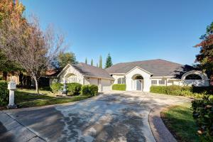 680 Royal Oaks Dr, Redding, CA 96001