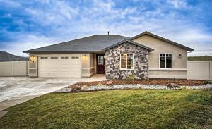 4697 Risstay Ave, Shasta Lake, CA 96019