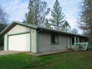 16282 Laurie Ann Ln, Redding, CA 96001