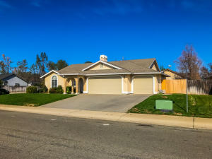 2998 Howard Dr, Redding, CA 96001