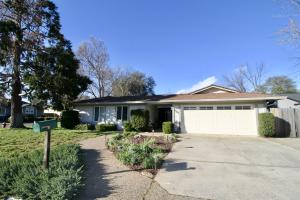 1120 Woodland Ter, Redding, CA 96002