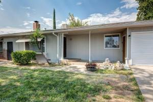 5382 Midway Dr, Redding, CA 96003