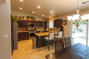 1638 French Lace Ln, Redding, Ca 96003