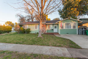 3238 Begonia St, Anderson, CA 96007