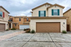 2352 La Villa Way, Redding, CA 96003