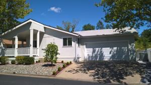 920 Tuberose Trl, Los Robles Estates, Redding, CA 96003