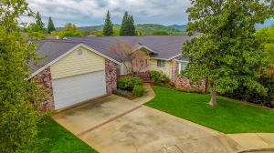 3781 Sunlight Ct, Redding, CA 96001