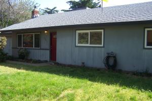 6917 Russell Ln, Redding, CA 96002