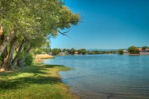 22012 Zapatero Ln., Lake California, CA 96022