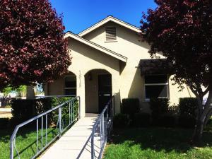 1817-1819 Court St, Redding, CA 96001