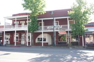 529 Main St, Weaverville, CA 96093