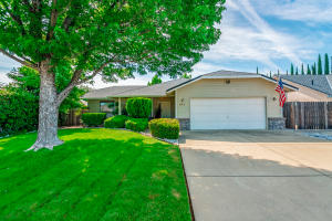 3177 Howard Dr, Redding, CA 96001