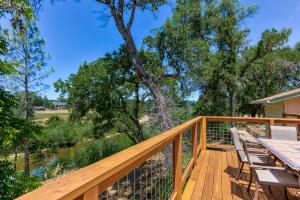 10504 French Creek Rd, Palo Cedro, CA 96073