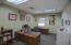 943 Mission De Oro Dr, Redding, CA 96003