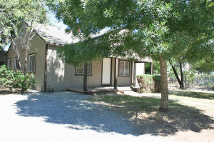 2704/2706 Akard, Redding, CA 96001