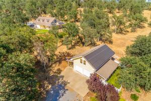 4741 Peaceful Ridge Rd, Redding, CA 96001