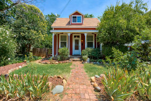 1059 Pine St, Redding, CA 96001