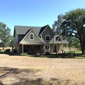 15390 Cloverdale Rd, Anderson, CA 96007