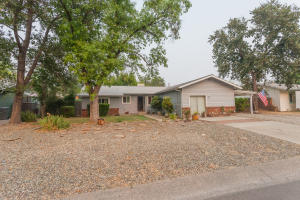 Welcome to 6303 Glen Way!